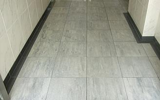 風除室床石材施工後