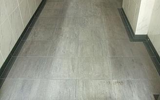 風除室床石材施工前